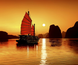 Charming sunset in Halong Bay - Short trip from Hanoi