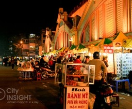 Dong Xuan Market at night - Hanoi city tours