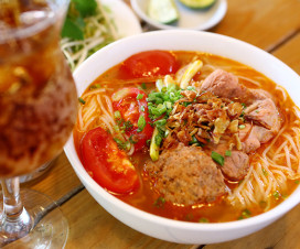 Bun Rieu Cua - Hanoi tasty day tour