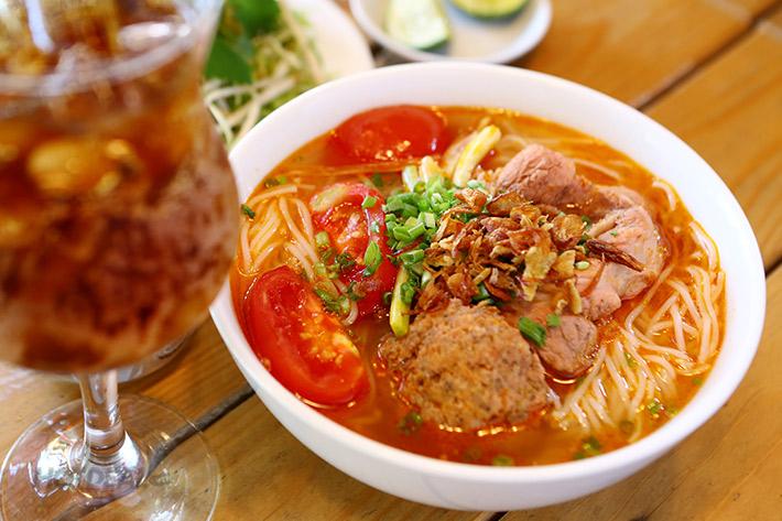 Bun Rieu Cua - Hanoi tasty day tour