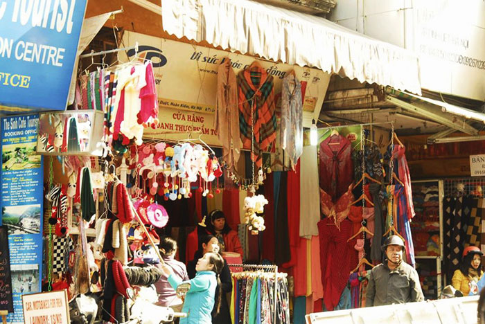 A store selling scarves in Dinh Liet Street  - Gift from Hanoi city tour
