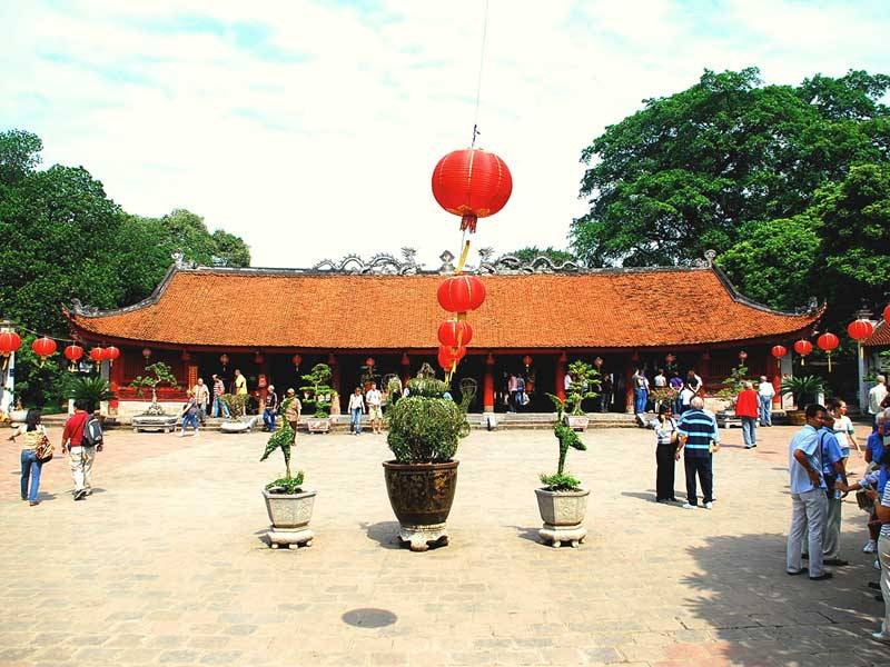 Hanoi photograph exhibition - Things to see in Hanoi