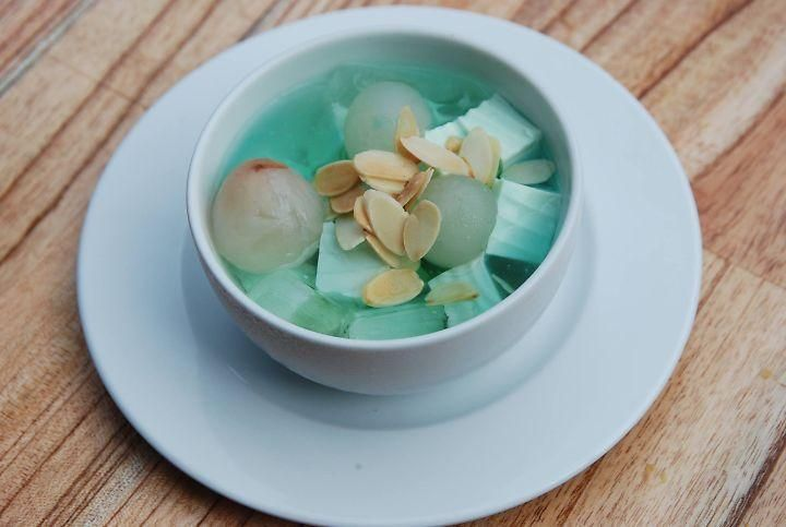 Almond with Cheese Jelly and Lychee Sweet Soup Southern dishes in Hanoi cuisine tour