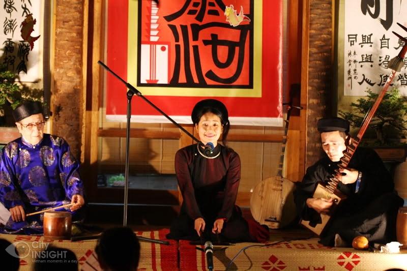 Ca Tru Folk singing night at Hanoi - Culture tour in Hanoi