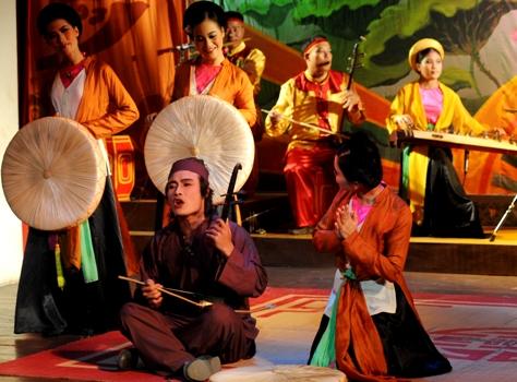 Cheo singing night in Hanoi - Hanoi culture tour