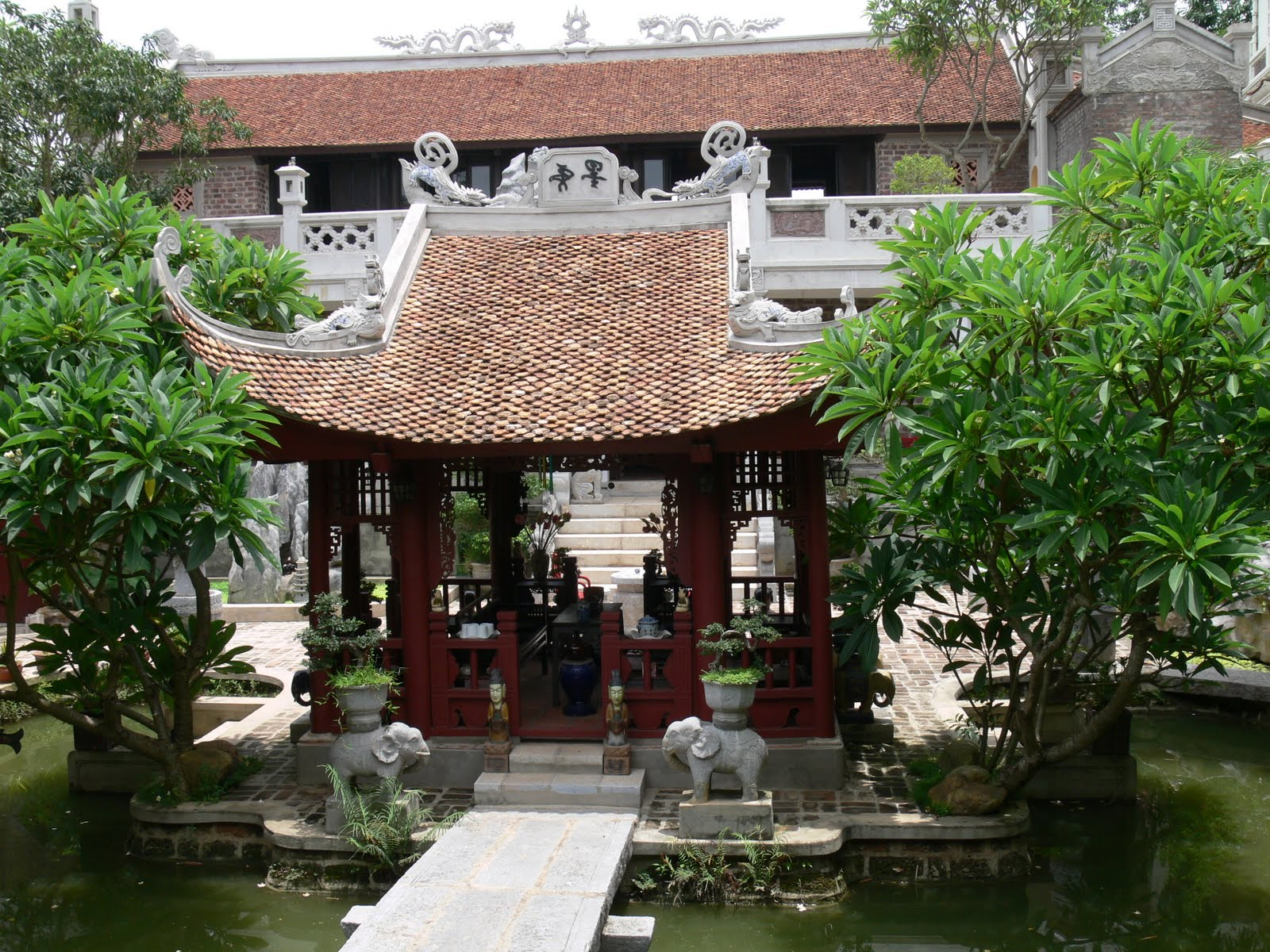 Thanh Chuong Viet Palace top 2 must-visit - Hanoi city tour