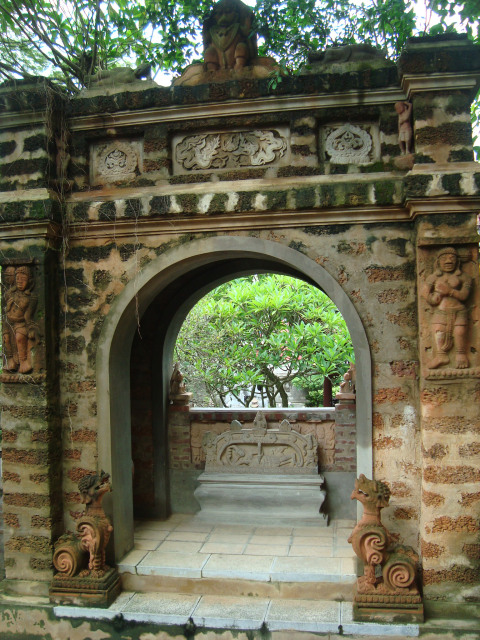 Thanh Chuong Viet Palace top 02 must visit - Hanoi day trip