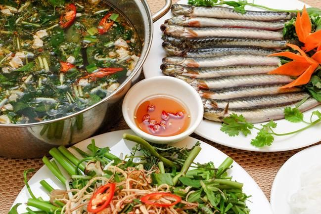 Mudskipper hot pot Southern dishes in Hanoi cuisine tour