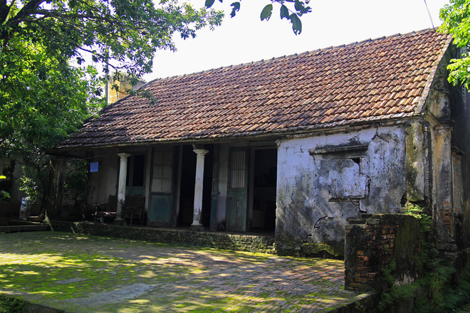 Vietnamese house in Cuu Village - weekend tour from Hanoi capital