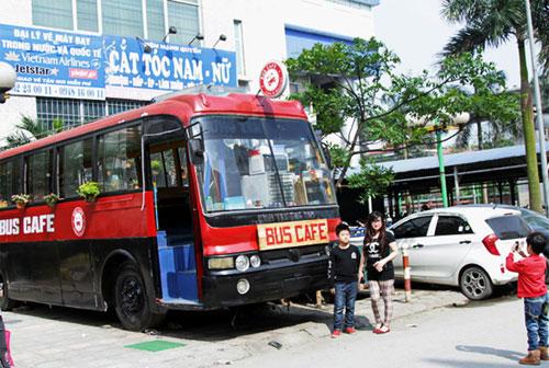 Bus cafe in Hanoi - Hanoi travel guide