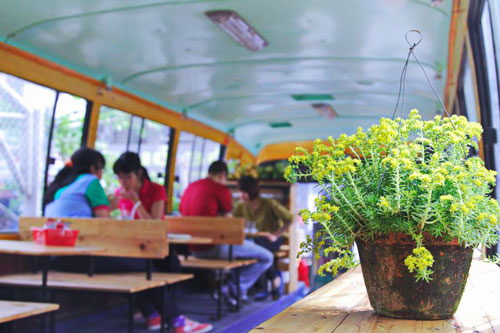 New bus cafe service offers cool space - Things to do in Hanoi