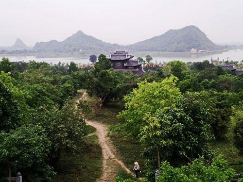 Biggest pagoda Bai Dinh - Day trip from Hanoi