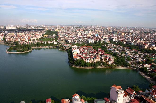 Flycams green Hanoi Hoang Cau lake and trees - Travel to Hanoi