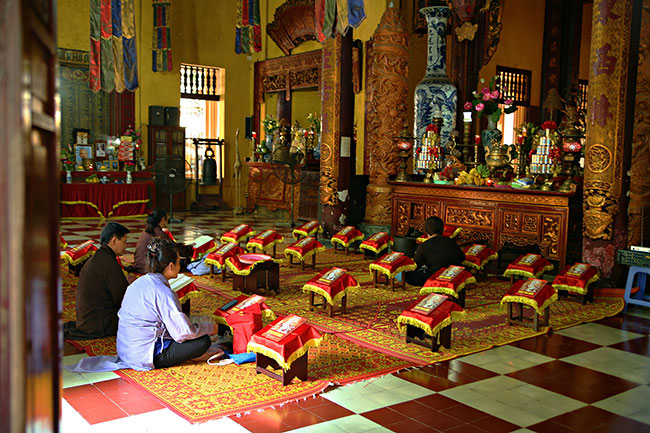 Quan Su Pagoda Hanoi - Hanoi motorbike tour