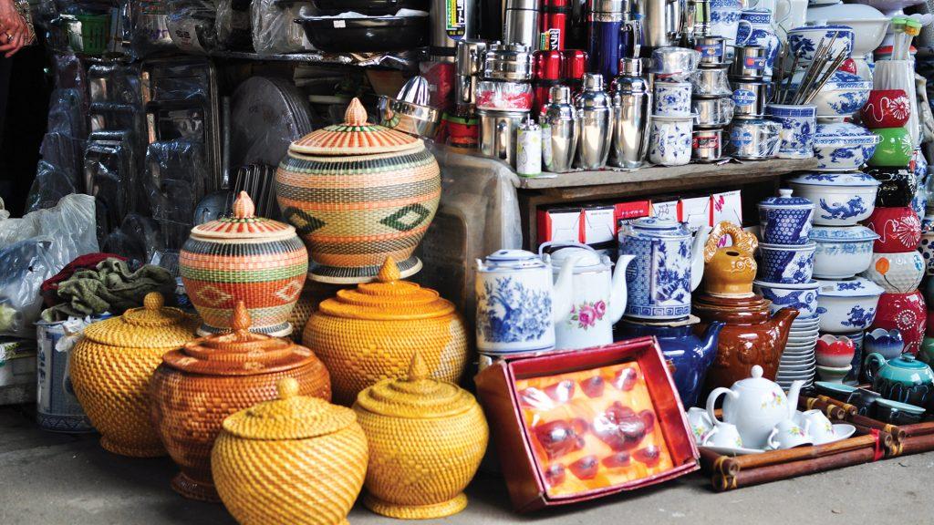 vietnam-market-dong-ba