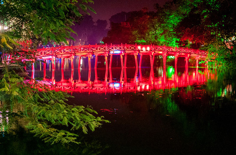 The Huc Bridge and Hoan Kiem Lake - Things to do in Hanoi