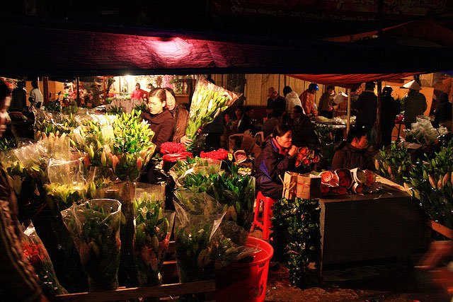 Quang Ba offers numerous kinds of flowers - Things to di in Hanoi