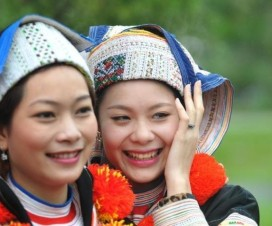 Ethnic Spring Fetivals in Hanoi - Hanoi travel guide
