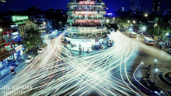 Hanoi center's traffic at night - Tours in Hanoi