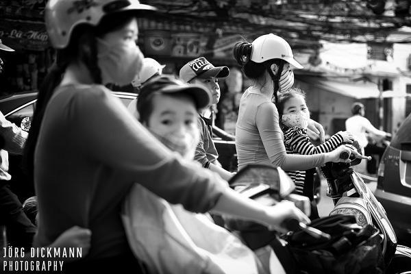 Motorbikes in Hanoi Streets - Hanoi traffic & Tours in Hanoi