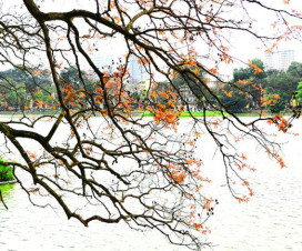 Hoan Kiem Lake Hanoi tourist attraction - Hanoi travel guide