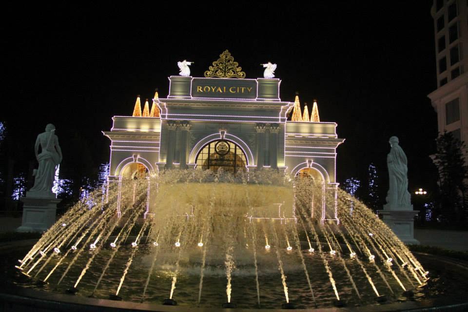 Sparkling Royal City at night - Hanoi travel guide