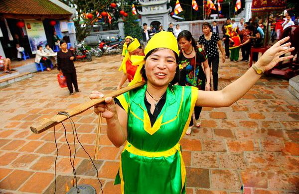 Lang-Pagoda-Festival-1