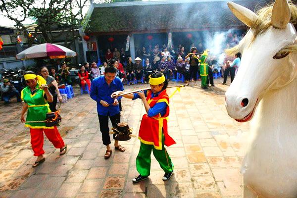 Lang-Pagoda-Festival-3