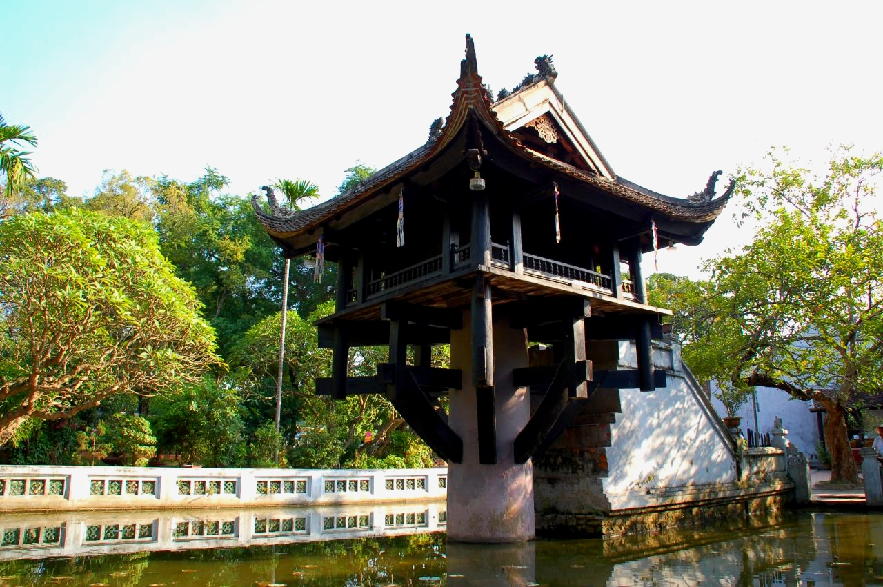 One Pillar Pagoda with the unique architecture - Hanoi city tour