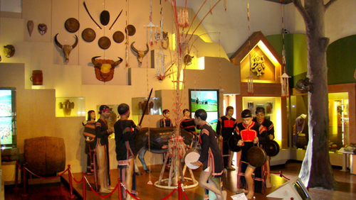 Light effect at Vietnam Museum of Ethnology - Hanoi culture tours