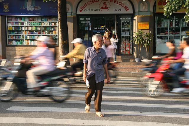 Crossing road in Hanoi - Hanoi city tours