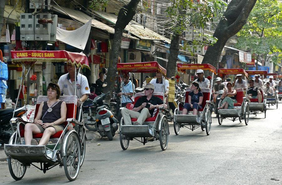 A cyclo trip to discover Hanoi - Hanoi city tours