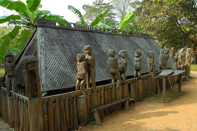 Giarai tomb displayed at Vietnam museum of Ethnology - Hanoi culture tours