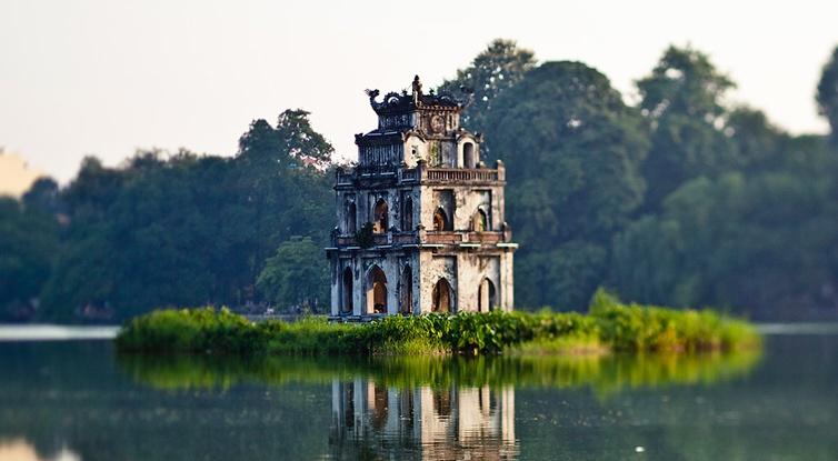 Hanoi -the second cheapest city for travelers by Tripadvisor