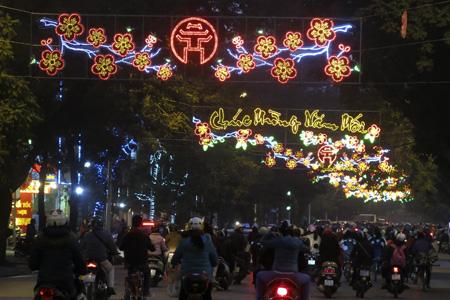 Hanoi Streets at night with Tet - Hanoi travel