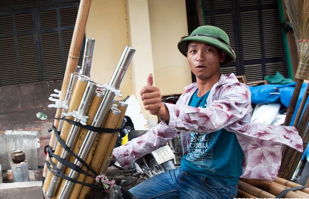 Vendor in hanoi - Hanoi streetlife tours