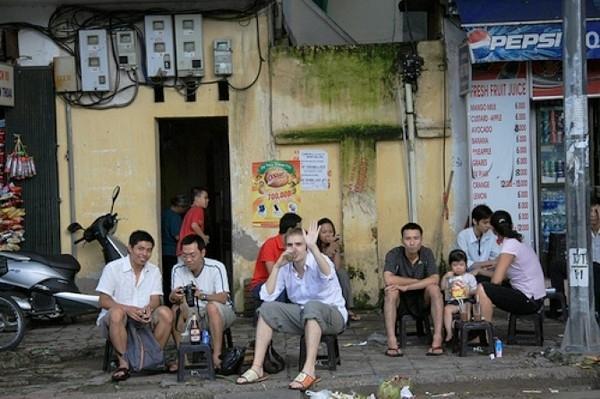 Street lemon tea among foreign travelers to Hanoi - things to do in Hanoi