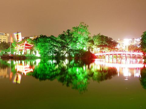Ngoc Son Temple - Hoan Kiem Lake - Hanoi walking tours