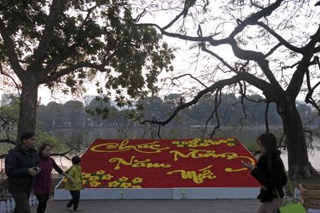 """Saying """"Happy New Year"""" around Hanoi - Hanoi attractions"""