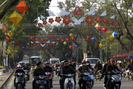 Hanoi streets with Tet touch - tours in Hanoi