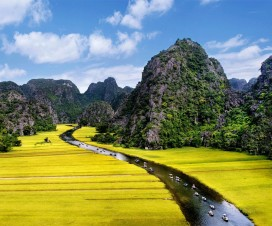 Way to Tam Coc - the Halong-bay-on-land - Ninh Binh day trips from Hanoi
